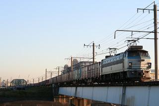 EF66 26が引くコンテナ列車